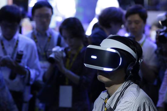 虛擬現實技術還未成主流 科技巨頭押重注已獲利