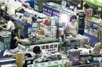 中国假冒手机市场:iPhone都是安卓机