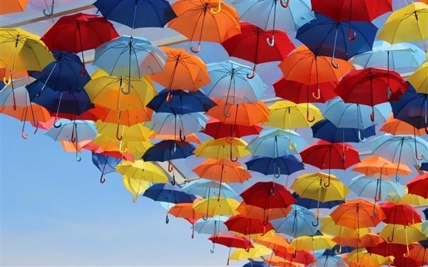 3万把共享雨伞被人抢光很心塞?其实厂商赚大了