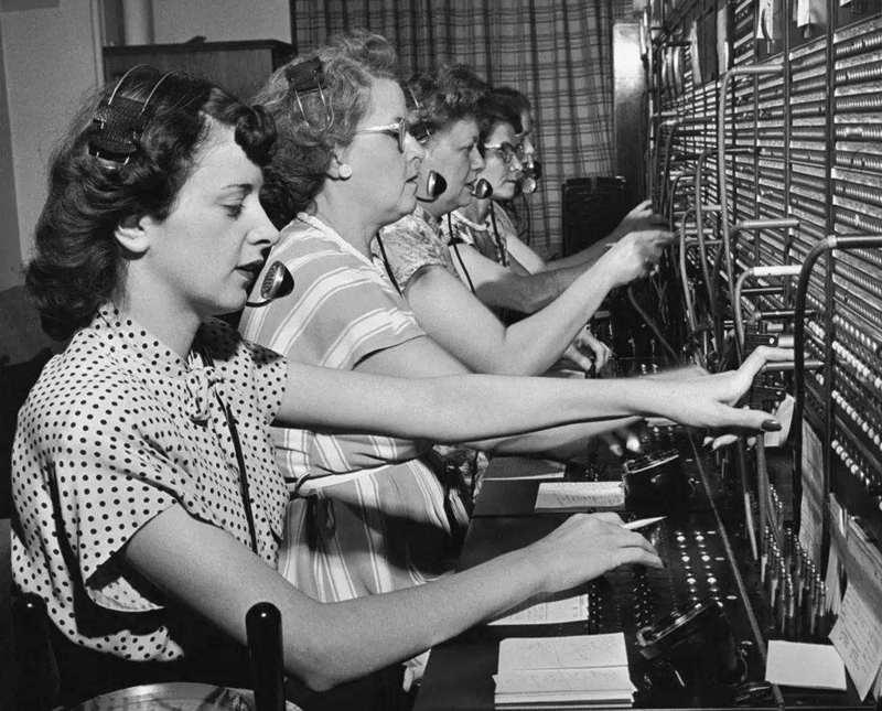 你不知道的技术史:原来电话是最早的社交媒体
