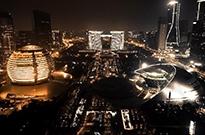 外媒:中国已是数字巨人 未来7年内或投资1800亿美元