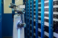 京东金融发布机房智能巡检机器人 进军服务机器人百亿市场