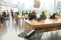 """新iPhone问题丛生被指设计缺陷 万元买个""""暖手宝""""?"""