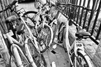 深圳男子骑车坠亡 共享单车频现刹车问题归谁管