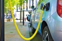 新能源汽车补贴降50% 蔚来李斌:回到产品和服务本身