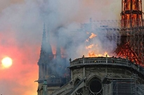 YouTube算法出错 在巴黎圣母院大火直播视频下错放911恐袭链接