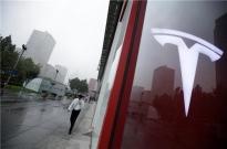 特斯拉上海工厂招聘会:一天面试五百人,最快1个月上岗