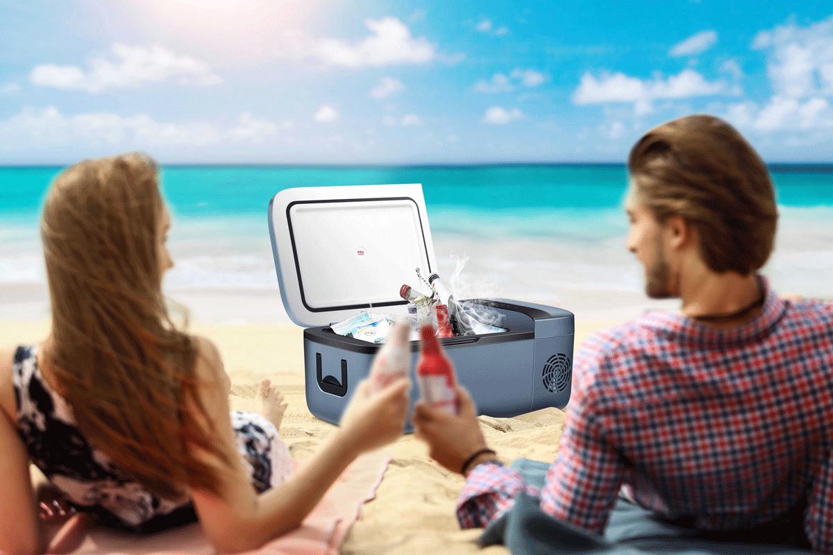 英得尔车载冰箱沙滩使用场景
