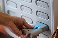 从混乱洗牌到涨价反转,共享充电宝凭什么活了三年?