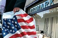 顶着关税压力美国零售商忍痛减价 黑五业绩仍不达标