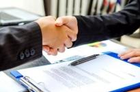 头部企业实习机会供不应求 有中介机构做起付费内推生意