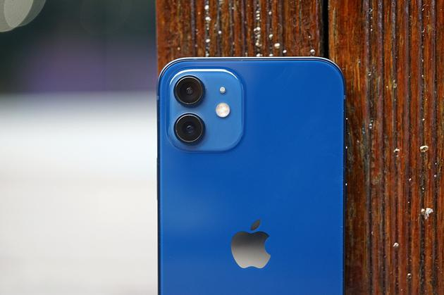 iPhone 12背面工艺明显进步