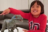 9岁男孩年入2950万美金 成全球收入最高YouTube博主