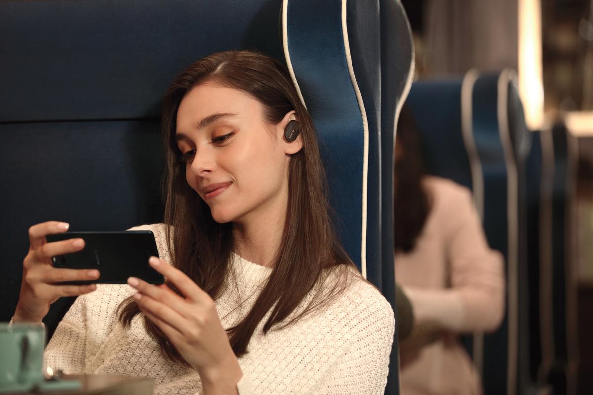 WF-1000XM3_B_WirelessConnection-Mid