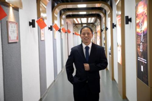 傲世皇朝代理西安国际医学中心医院整形外科门诊主任冯登超谈瘢痕疙瘩的个体化治疗 ... 游戏