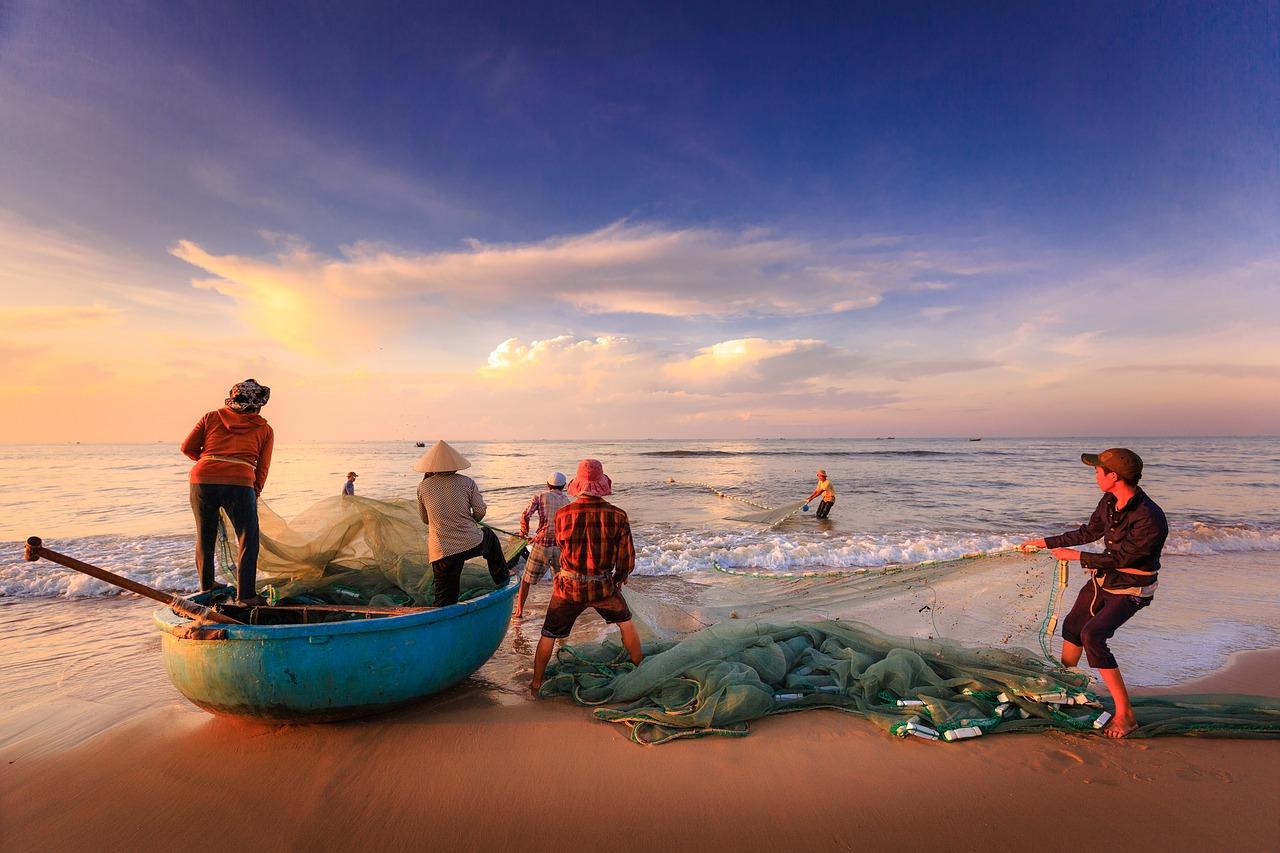 fishermen-2983615_1280.jpg